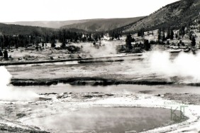 Yellowstone, Wyoming, Thermal pool
