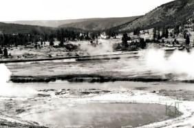 Yellowstone, Wyoming, Thermal pool